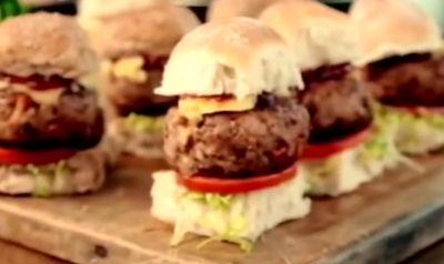 Smoky_Pork_Sliders_with_BBQ_Sauce
