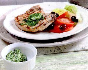 Steak_la_gratar_cu_unt_aromat_si_verdeturi