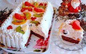 Tort cu kiwi, ananas si capsuni