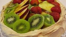 How_to_make_Meringue_shell_with_fresh_fruit_topping