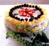 Tort_cu_struguri_capsuni_si_cirese