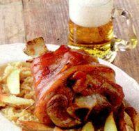 Ciolan de porc cu sos de hrean