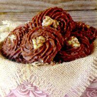 Fursecuri de ciocolata cu nuci si curmale