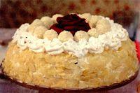 Tort_cu_migdale_alune_si_bomboane_cu_cocos