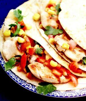 Tortillas_cu_carne_de_pui_si_rosii