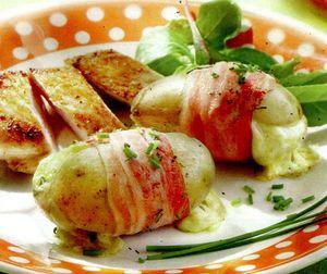Cartofi_in_bacon_si_cascaval