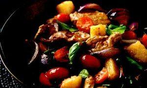 Carne_de_porc_dulce_acrisoara_cu_ananas_si_rosii