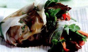 Pachetele_in_foi_de_orez_cu_carne_de_vita_si_broccoli
