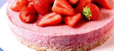 Tort_spuma_cu_capsune