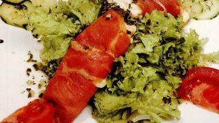 Salata_frisee_cu_prosciutto_si_branza