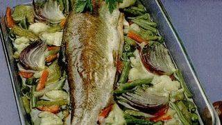 Pastrav_la_tava_cu_legume