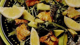 Salata_cu_peste_afumat_si_avocado