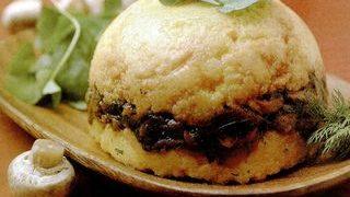 Tarta de mamaliga cu ciuperci