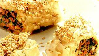 Rulouri de aluat cu umplutura de miel