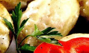 Cartofi_umpluti_cu_telemea_de_oaie