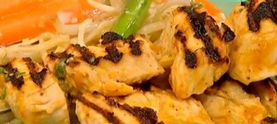 How_to_make-Turkey_with_crunchy_noodle_salad
