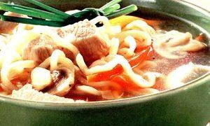 Supa_chinezeasca_cu_taietei