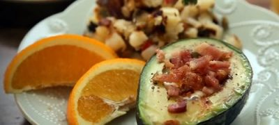 How to Make Avocado Baked Eggs