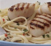 Linguine_with_scallops