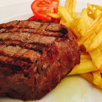 Grilled beef tenderloin or with Café de París sauce