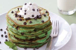 51147000_mint-chocolate-chip-pancakes