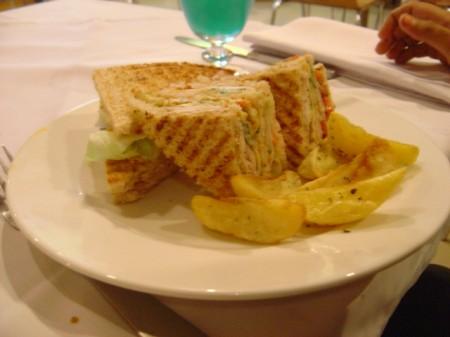 Club Sandwich -Deli