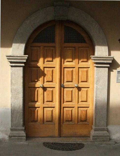 Restructuring of chestnut wood door