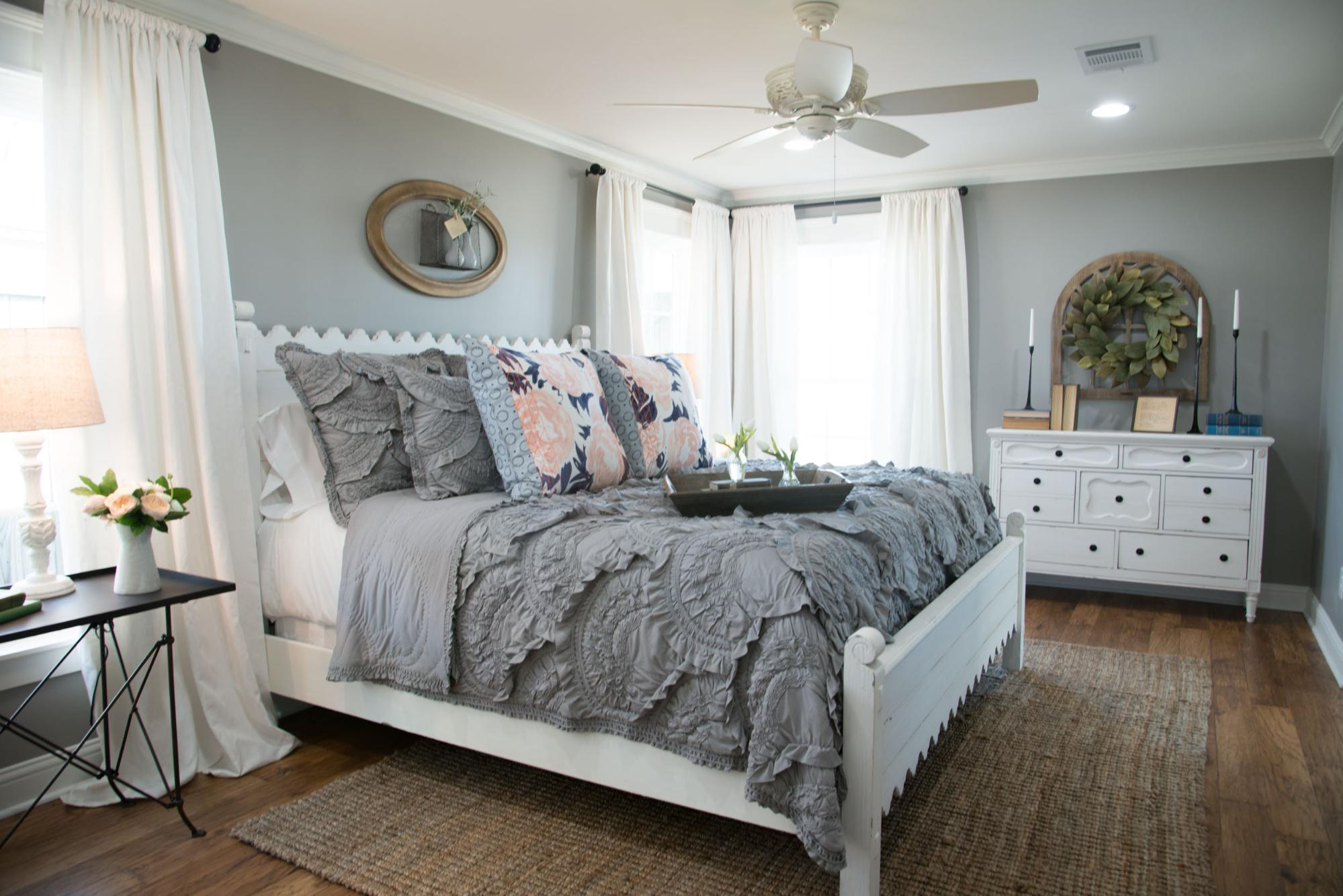 Top 10 Fixer Upper Bedrooms
