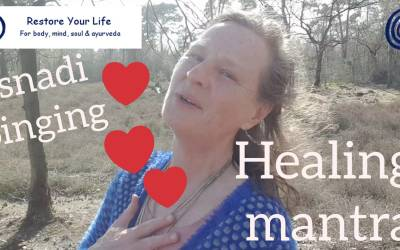 Esnadi singing mantra Tryambakam for healing