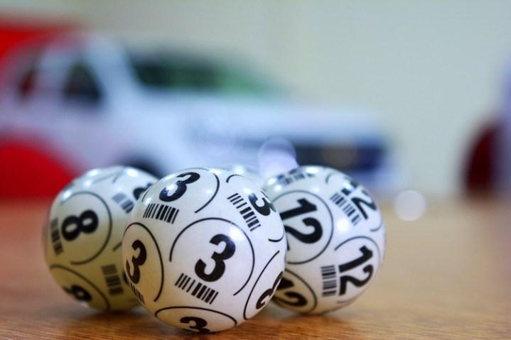 bolas de sorteio de loteria
