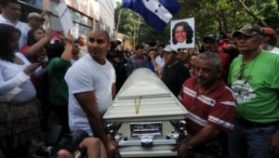 Relatives and friends carry Berta Caceres' coffin through La Esperanza, Honduras, during her funeral. Photo: AFP