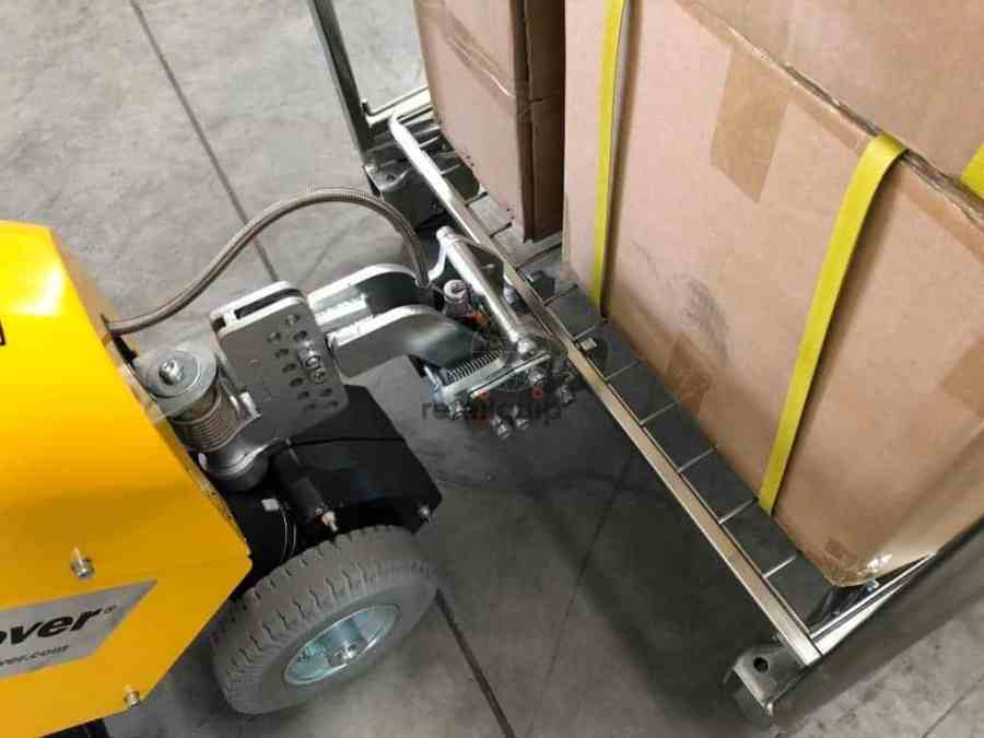 SM100 Electric Tug moving Roll Cage