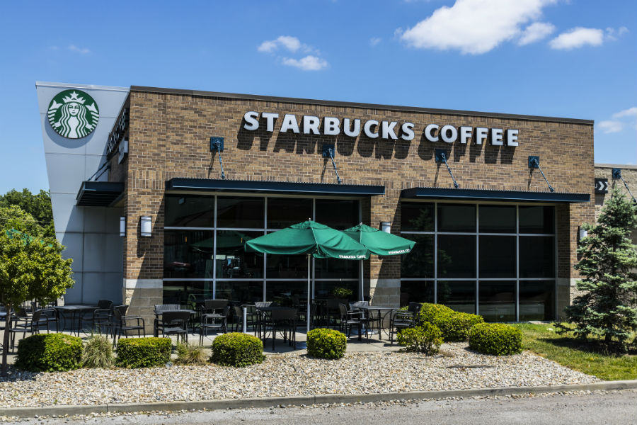Starbucks_store_location_jetcityimage_Getty_Images