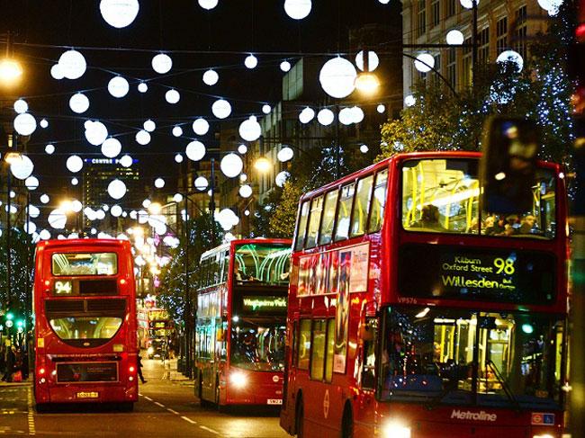 Christmas-lights---streets-with-buses.jp