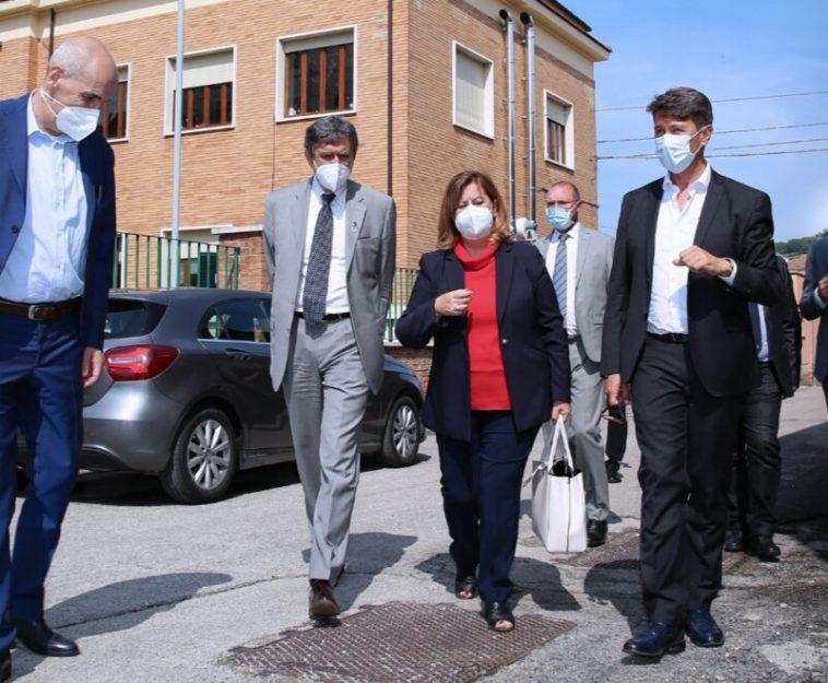 """Coronavirus, sottosegretario Costa: """"Abruzzo esempio da seguire nella lotta alla pandemia"""""""