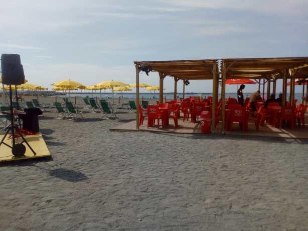 Spiaggia-di-Multedo.jpeg