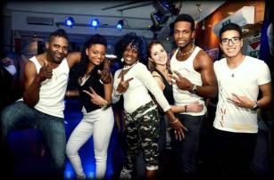 Anaisa-al-centro-e-altri-ballerini-al-Caribe.jpg