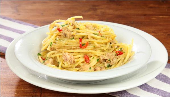 spaghete-cu-ton-si-lamaie