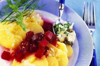 Salata de cartofi cu sfecla reteta
