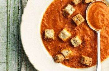 Reteta supa de rosii cu crutoane