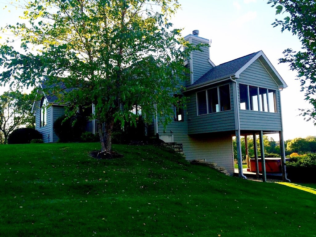 Executive level home resort core: Galena, Illinois