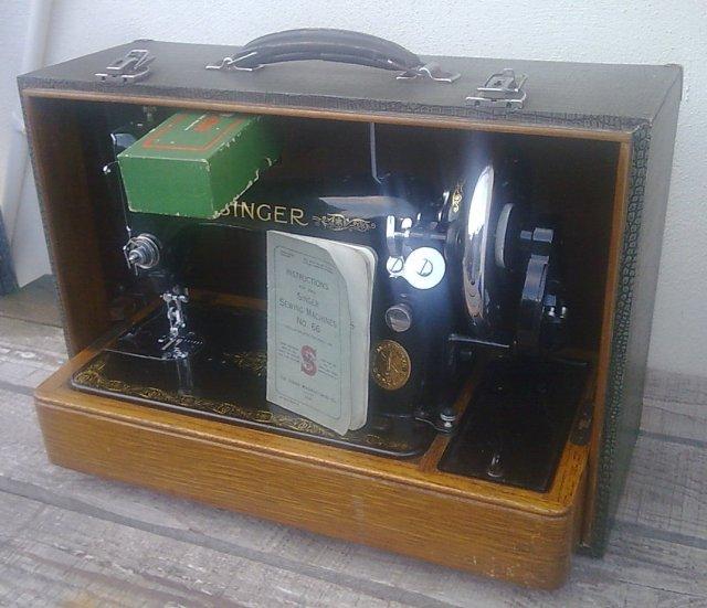 Vintage Singer Sewing Machine Serial Numbers