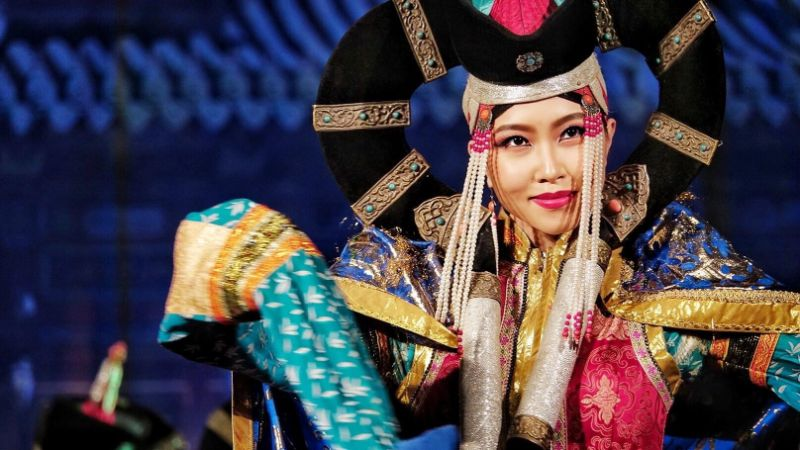 Traditional costume of Mongolia