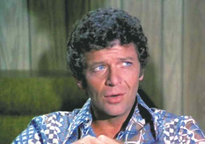 mike brady robert reed the brady bunch