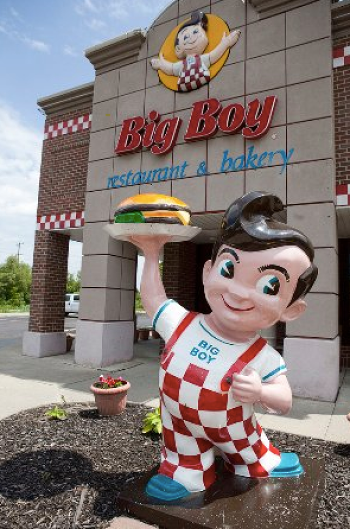 Big Boy Restaurants Replace Iconic Mascot With Old 1950s Character