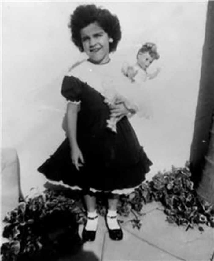 annette-funicello-with-doll