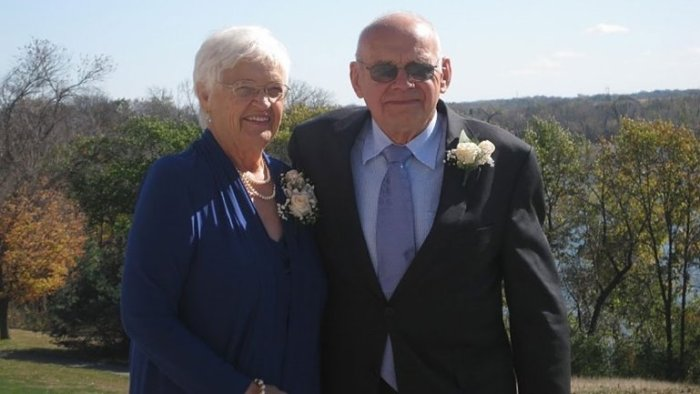 husband and wife die one day apart