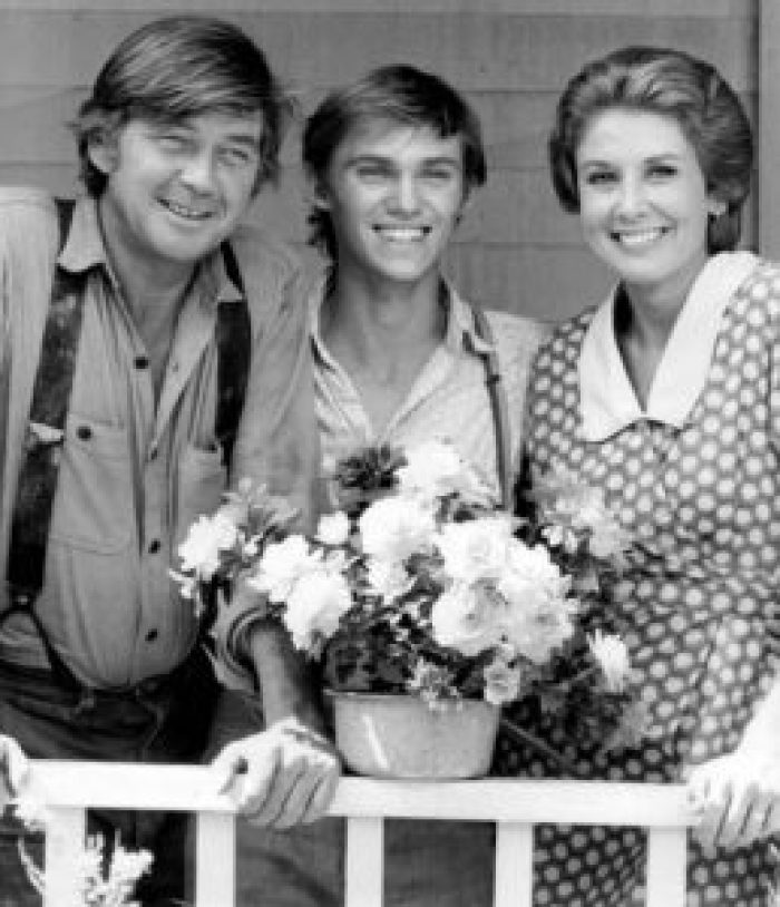 On The Waltons, Ralph Waite emboddied a beloved patriarch