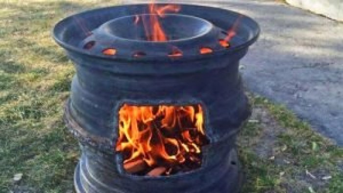 Fire pits made with car tire rims let you upcycle discarded items
