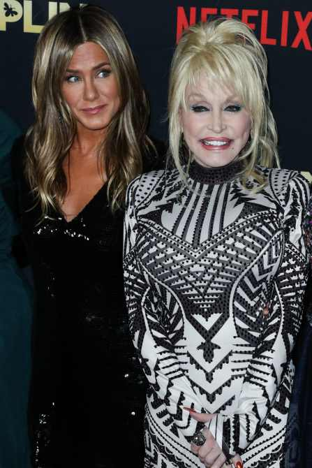 Actress Jennifer Aniston and singer Dolly Parton